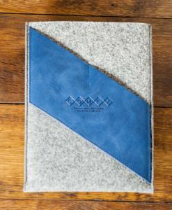 iPad-light-felt-blue-italian-leather-case-sleve-pouch-1