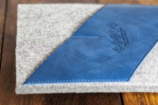 iPad-light-felt-blue-italian-leather-case-sleve-pouch-2