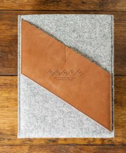 iPad-light-felt-brown-italian-leather-case-sleve-pouch-1