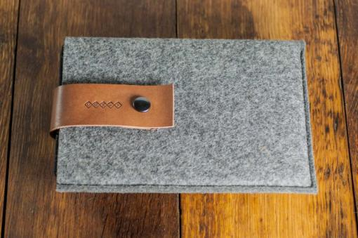 iPad-mini-felt-brown-italian-leather-case-sleve-pouch-6
