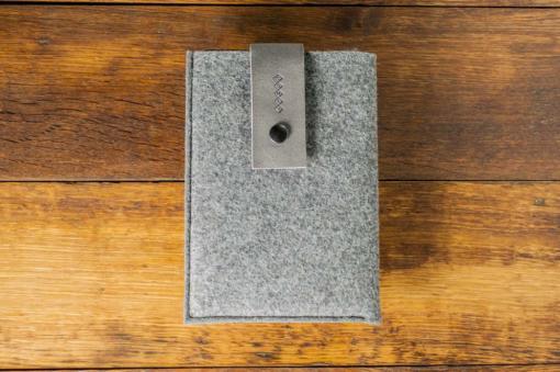 iPad-mini-felt-grey-italian-leather-case-sleve-pouch-1