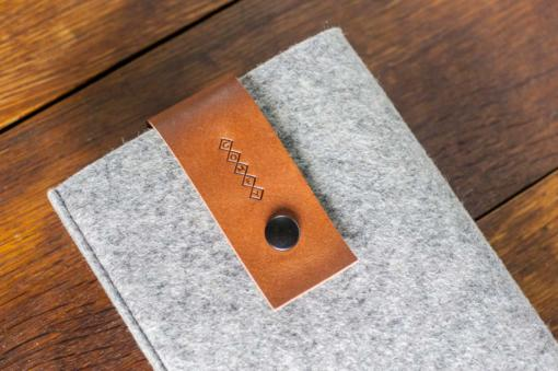 iPad-mini-light-felt-brown-italian-leather-case-sleve-pouch-2