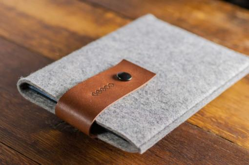 Handmade iPad mini Felt Case: Light Grey Felt Brown Leather