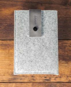 iPad-mini-light-felt-grey-italian-leather-case-sleve-pouch-1