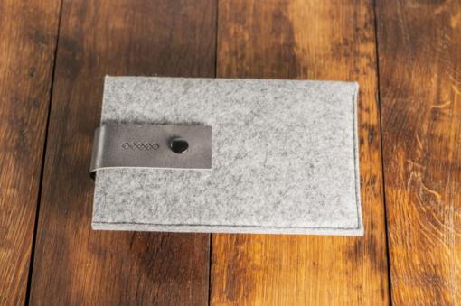 iPad-mini-light-felt-grey-italian-leather-case-sleve-pouch-2