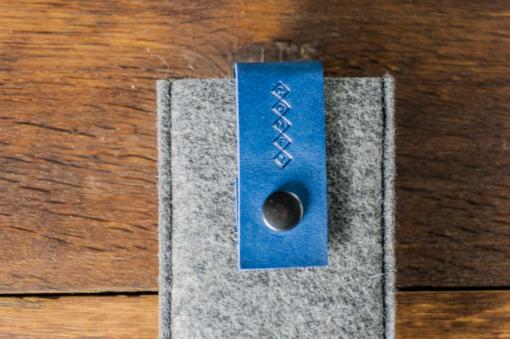 iPhone5-5s-felt-blue-italian-leather-case-sleve-pouch-5