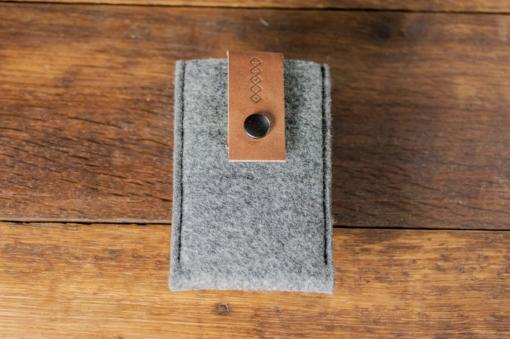 iPhone5-5s-felt-brown-italian-leather-case-sleve-pouch-4