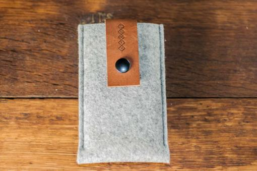 iPhone5-5s-light-felt-brown-italian-leather-case-sleve-pouch-4