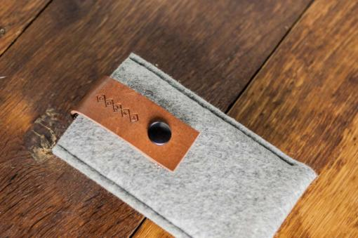 iPhone5-5s-light-felt-brown-italian-leather-case-sleve-pouch-5