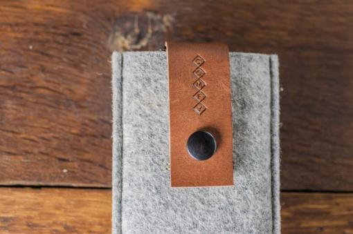 iPhone5-5s-light-felt-brown-italian-leather-case-sleve-pouch-6