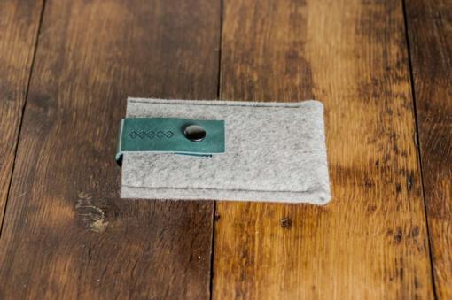 iPhone5-5s-light-felt-green-italian-leather-case-sleve-pouch2