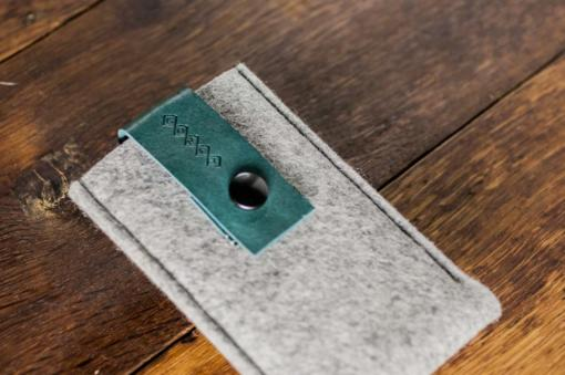 iPhone5-5s-light-felt-green-italian-leather-case-sleve-pouch5