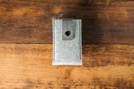iPhone5-5s-light-felt-grey-italian-leather-case-sleve-pouch-1-1