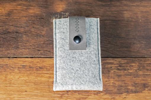 iPhone5-5s-light-felt-grey-italian-leather-case-sleve-pouch-1