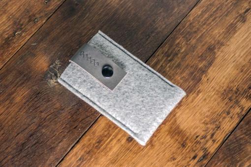 iPhone5-5s-light-felt-grey-italian-leather-case-sleve-pouch-2