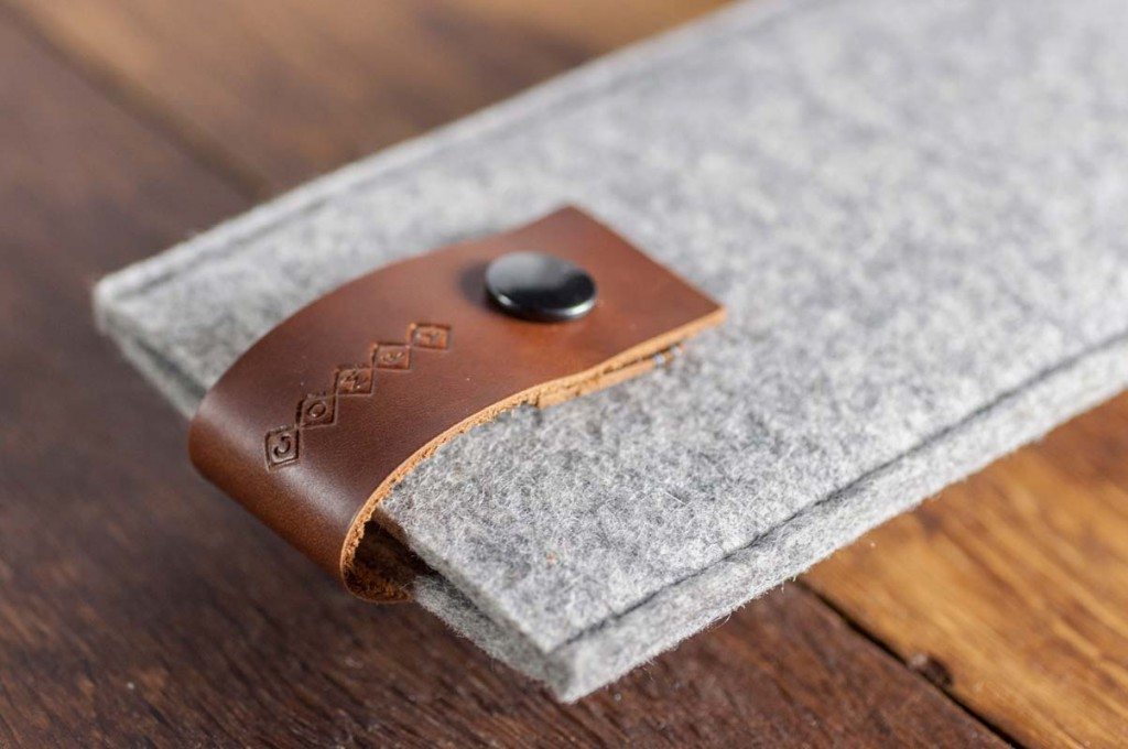 iPhone6-6s-light-felt-brown-italian-leather-case-sleve-pouch-2