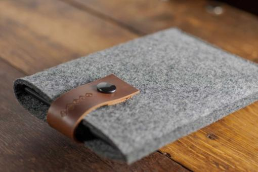 Kindle Handmade Felt Case with Brown Leather