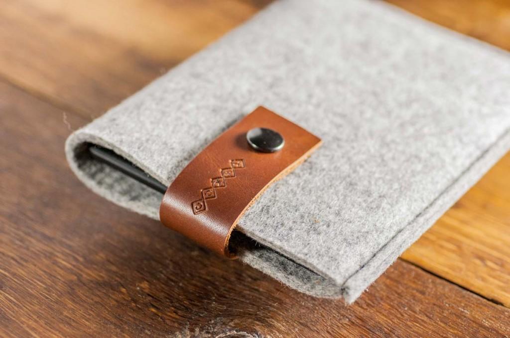 kindle-paperwhite-light-felt-brown-italian-leather-case-sleve-pouch-2