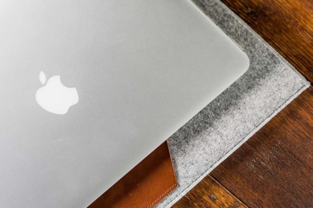 macbook-pro-air-light-felt-brown-italian-leather-case-sleve-pouch-3-1